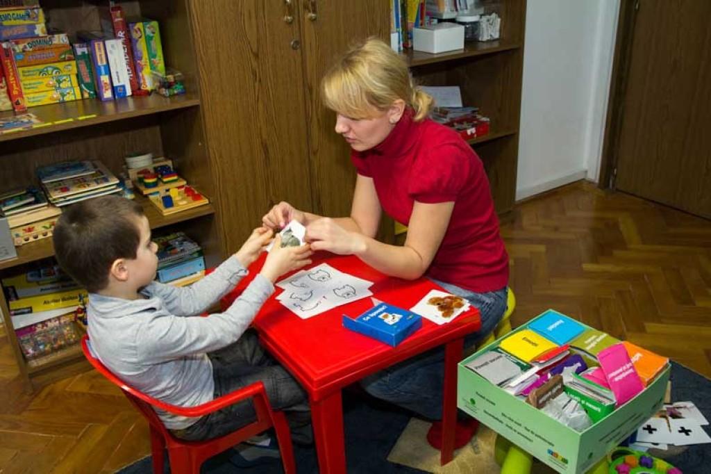 help-autism-terapie.0fv2zepmkt